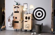 """Eine Recyclingstation die auch noch Spaß macht. Die genaue Anleitung für die """"Roboterstation"""" findest du unter """"Organsiation"""" und """"Familienleben"""" in unseren Ideen."""