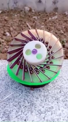 Easy and fun kid-friendly science experiments for kids that you can do at home, school or camp. Energy Projects, Projects To Try, Perpetual Motion Toys, Science Fair Projects, Science Experiments Kids, Shoe Storage Design, Unique Garden Decor, Wind Sculptures, Force And Motion