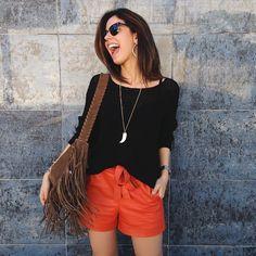 Camila Coutinho com máxi colar.   #elasusam #elasamam #priacessorios #prischiavinato #bijuteria #bijoux #acessórios  #camilacoutinho    www.priacessorios.com.br