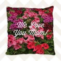 Does your mom love to garden? Make her a custom photo pillow using her garden photos; she'll love it! #30giftsformom