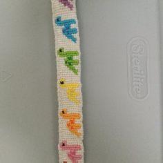 Alpha friendship bracelet pattern added by kaittogz. Diy Friendship Bracelets Patterns, Diy Bracelets Easy, Thread Bracelets, Embroidery Bracelets, Summer Bracelets, Bracelet Crafts, Handmade Bracelets, String Bracelet Patterns, Alpha Patterns