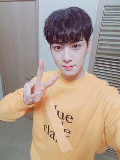 [14.11.16] Astro on twitter - EunWoo