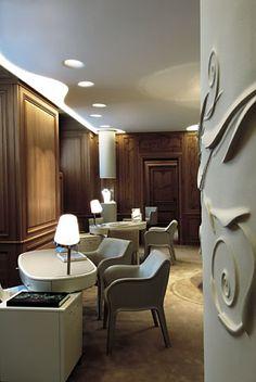 Jewel walls for a luxury Maison. Patrick Jouin refurbishes the Van Cleef & Arpels showroom in Place Vendôme, Paris.