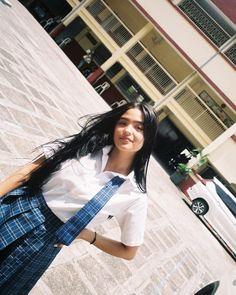 Filipina Actress, Filipina Beauty, Cute Love Memes, Head & Shoulders, Asia Girl, Cute Asian Girls, Cute Outfits, Maui, Poses