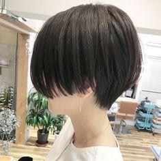 ショート/ベリーショート/ボブ/福岡/Coast.溝口優人さんはInstagramを利用しています:「. . 前髪長めの人気スタイル✨ . ラインと束間とシルエットがポイントです☝️ . . #ショートにピアス . #ショートヘア…」