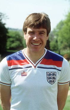 circa Emlyn Hughes, England, and , who won 62 England caps from Get premium, high resolution news photos at Getty Images Football Icon, Retro Football, Liverpool Football Club, Vintage Football, Liverpool Fc, England Football Players, England Players, England International, International Football