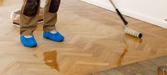 What is the difference between bamboo and hardwood floors?