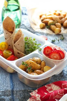Pack a healthy, delicious, homemade lunchbox! on FamilyFreshCookin... © MarlaMeridith.com #projectlunchbox