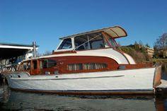 46' Chris-Craft Double Cabin Cruiser