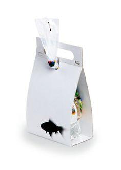 clever and minimal packaging design: paper bag | Design: Zuzana Jirkalová @ mlady obal |