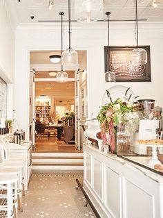 Don't Hit Snooze—These Are the Best Coffee Shops in NYC to Jolt You Awake coffee machines Cofee Shop, Cute Coffee Shop, Coffee Store, Coffee Shop Design, Coffee Cafe, Cafe Design, Best Cafes In Nyc, Best Coffee Shops Nyc, Korean Coffee Shop