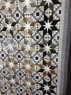 Stunning quilt in neutrals