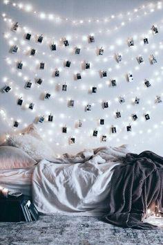 Tumblr bedroom fairylights messy bed