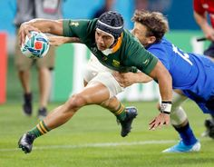 South Africa's Cheslin Kolbe scores a try during the Rugby World Cup Pool B game at Shizuoka Stadium Ecopa between South Africa and Italy, in Shizuoka, Japan, Friday, Oct. (Kyodo News via test: Kolbe to challenge Japan wings in quarterfinals Go Bokke, South African Rugby, Rugby Championship, Speed Test, Olympic Champion, All Blacks, Rugby World Cup, Second Best, Cycling Shorts