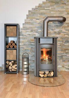 Un poêle à #bois pour chauffer la pièce. http://www.m-habitat.fr/poeles/poeles-a-bois/le-pele-a-bois-avec-four-240_A