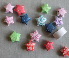Origami er egentlig ikke lige mig, men de bittesmå stjerner kunne jeg godt bruge i store til lidt af hvert så jeg har forstørret den gamle t...