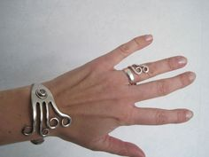 Bracelet made of fork and ring made of cake fork