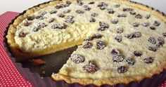 Az egyik legegyszerűbben elkészíthető és legfinomabb túrós sütemény.   Hozzávalók 26 cm-es piteformához   A tésztához  20 dkg liszt  12...