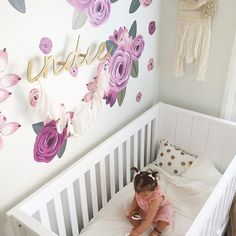 These decals are SUCH an amazing way to add a pop of floral to the nursery. Image by @indie.and.i