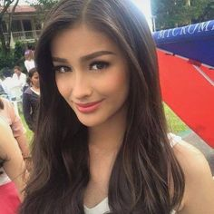 The Next Philippines' Beauty Queen! Pang Miss Universe Liza Soberano Liza Soberano, Filipina Beauty, French Beauty, Asian Hair, Sensual, Pretty Face, Hair Goals, Asian Beauty, Woman Face
