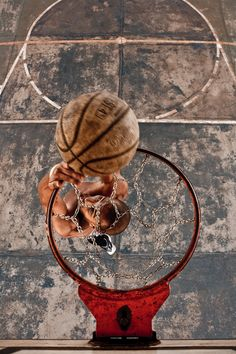 Streetball - Shots and Dunks by Studio Sopa, via Behance