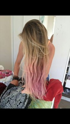 in love with the way the pink ombre looks! i have to do this on my hair asap