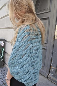 Ravelry: Bark shrug pattern by Sidsel Sangild Crochet Shawl, Crochet Yarn, Crochet Hooks, Knit Crochet, Crochet Shrugs, Crochet Sweaters, Stitch Patterns, Knitting Patterns, Waffle Stitch