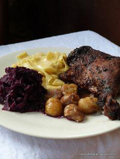 grain de sel - salzkorn: Klassisches Festtagsgelage: Entenkeule, Blaukraut und karamellisierte Maronen