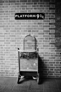 Plataforma 9 3/4. Londres. Necesito irrrrrrr.