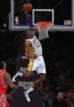 f6e69326f4d Dwight Howard... the big fella gets up. Not as high as LeBron