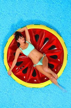 10 Fabulous Pool Floats For Summer