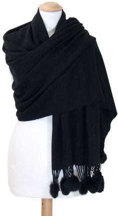 42e3dee21335 inspiration foulards echarpes · Etole noir en laine et pompons fourrure -  Etole laine Etole laine pompons - Mes