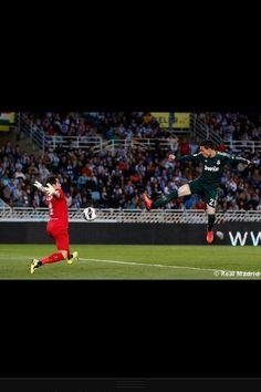 Jose Callejon's goal Real Madrid, Soccer, Goals, Historia, Futbol, European Football, Soccer Ball, Football