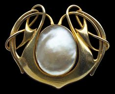 ARCHIBALD KNOX 1864-1933 Liberty & Co Brooch Gold Pearl British, c.1900