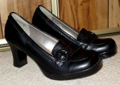NWOB Woman's Black Faux Leather Mary Jane Heels Size 8 1/2 Medium SM New York