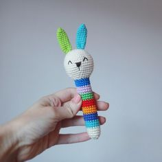 Вязаные игрушки погремушки крючком схемы кролик