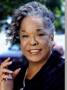 Touched by an Angel Characters | Touched by an Angel (TV show) Della Reese as Tess