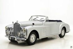 You want to buy a Bentley Mark VI classic car? 25 offers for classic Bentley Mark VI for sale and other classic cars on Classic Trader. Retro Cars, Vintage Cars, Antique Cars, Bentley Automobiles, Bentley Rolls Royce, Buy Classic Cars, Volkswagen, Bentley Car, Amazing Cars