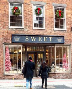 A bakery in Boston MA at Christmastime