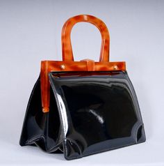 Superb 1950s Lucite Patent Leather Structured Handbag by vdpshop, €75.00