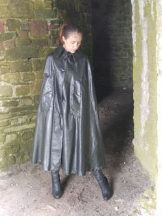 Latex Wear, Rain Cape, Rubber Raincoats, Pvc Vinyl, Raincoats For Women, Rain Wear, Black Rubber, Women Wear, Capes