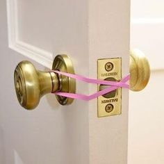 How to keep a door unlocked