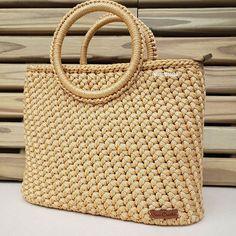 Nude Bags, Wooden Bag, Basket Bag, Crochet Purses, Knit Fashion, Straw Bag, Purses And Bags, Crochet Patterns, Knit Crochet