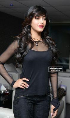 Bollywood Actress Hot Photos, Beautiful Bollywood Actress, Beautiful Actresses, Beautiful Girl Indian, Most Beautiful Indian Actress, Hot Actresses, Indian Actresses, Bollywood Hairstyles, South Indian Actress Photo