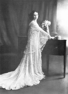 """""""History of Love""""  \\ Anna Pavlova (1881-1931) was a Russian ballerina of the late 19th and early 20th century."""