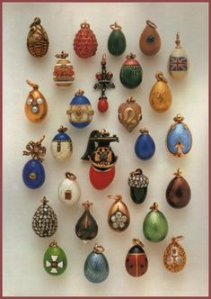 # 18 costume egg for pendant or smaller as interchangeable - Collection of 28 Faberge Miniature Eggs Antique Jewelry, Vintage Jewelry, Faberge Jewelry, Faberge Eggs, Displaying Collections, Collections Of Objects, Egg Art, Egg Decorating, Fancy