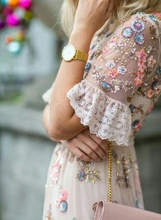 Haute couture street style shared by Franzi on We Heart It Pretty Dresses, Beautiful Dresses, Gorgeous Dress, Pretty Clothes, Look Boho, Looks Street Style, Mode Inspiration, Fashion Inspiration, Mode Outfits