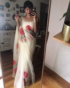 Holding on to hints of beauty while manoeuvring a world plagued with suffering . Cotton Saree Designs, Half Saree Designs, Trendy Sarees, Stylish Sarees, Saree Blouse Patterns, Saree Blouse Designs, Dress Indian Style, Indian Dresses, Pakistani Dresses