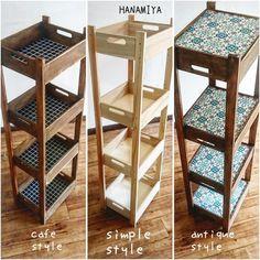 【連載】100均アイテムで完成!簡単!時短!ひっくり返して両面使えるシェルフ! LIMIA (リミア) Diy Furniture Projects, Diy Wood Projects, Diy Home Decor Bedroom, Diy Interior, Mason Jar Diy, Wooden Shelves, Diy Table, Diy Storage, Diy Crafts To Sell