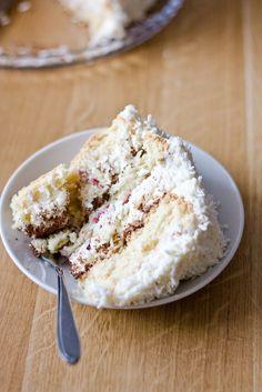 ... a dzisiaj nasze małe święto ;) Tort kokosowy z amaretto i białą czekoladą (proporcje na tortownicę 20 cm, do tortownic...